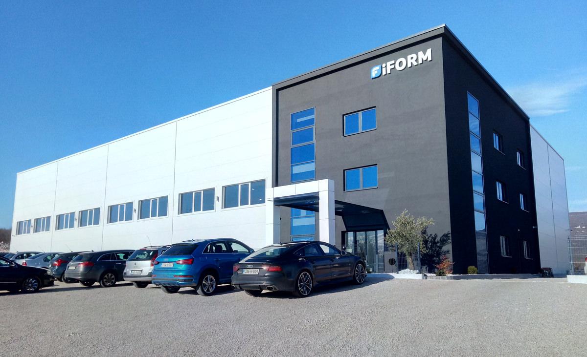 iForm-01